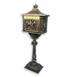 Boite aux lettres sur pied en fonte couleur bronze 111 cm